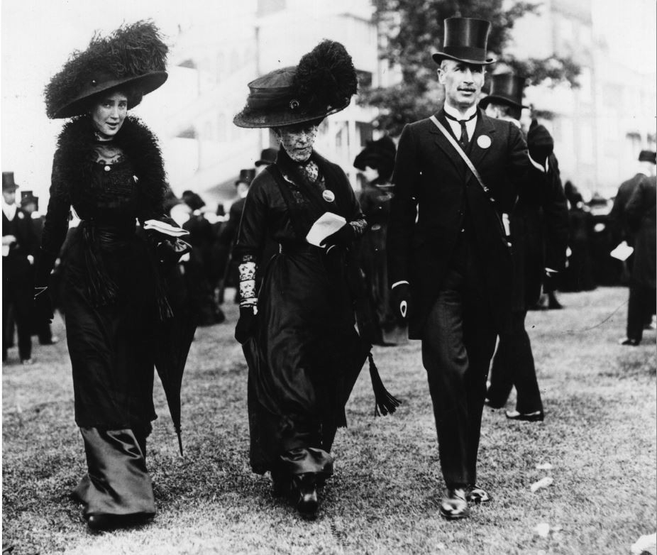"The ""Black Ascot,"" 1910 Courtesy of The Metropolitan Museum of Art, Getty Images"